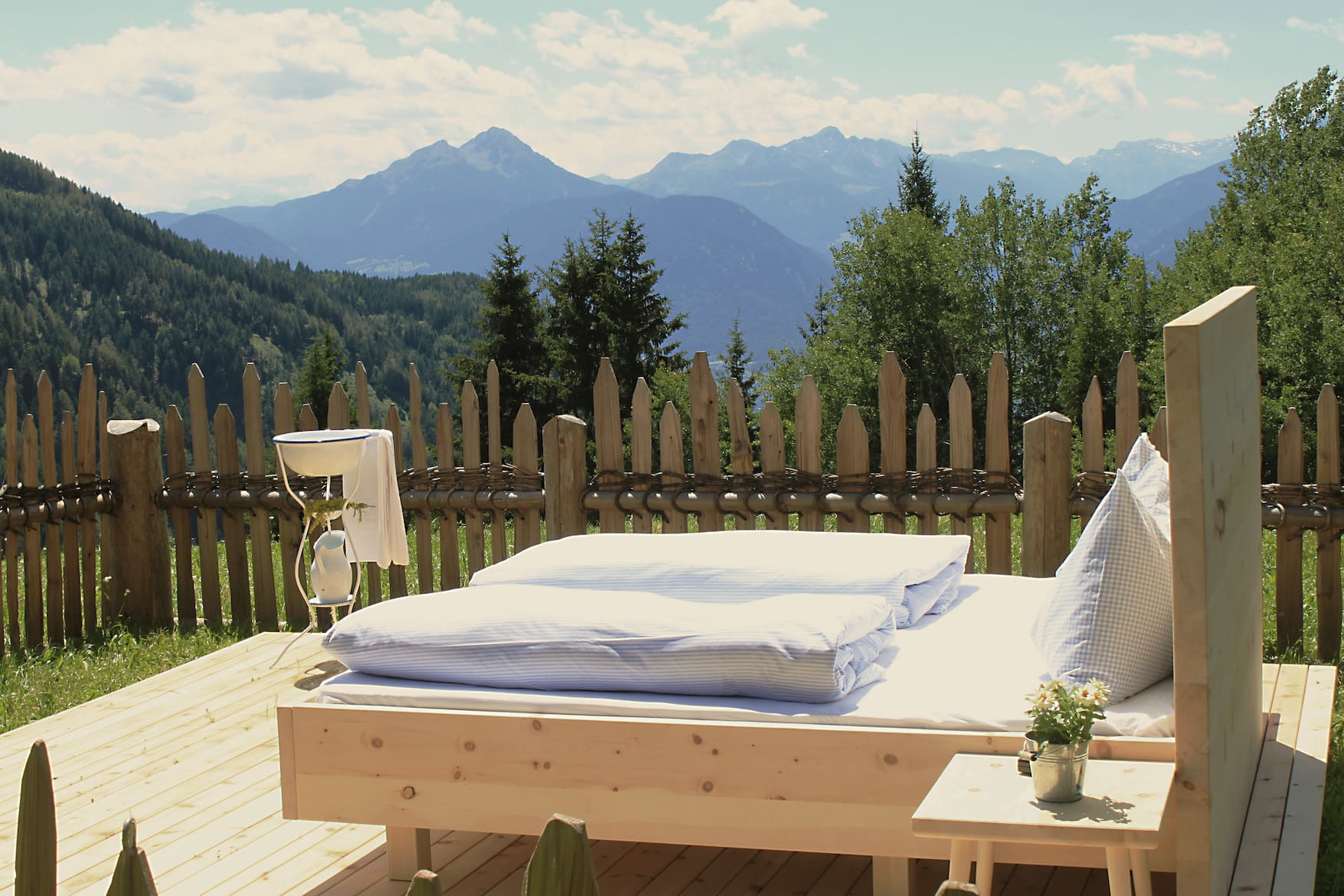Hotelbett unter freiem Himmel: Hotel Hohenwart