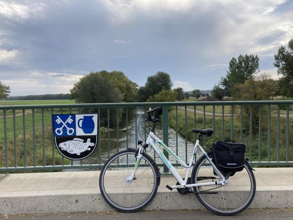 Unsere Autorin fuhr auf dem Unstrut-Radweg entlang des Flusses.