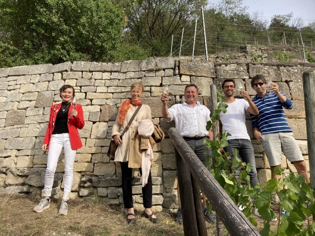 Eine Weinprobe am Herzoglichen Weinberg.