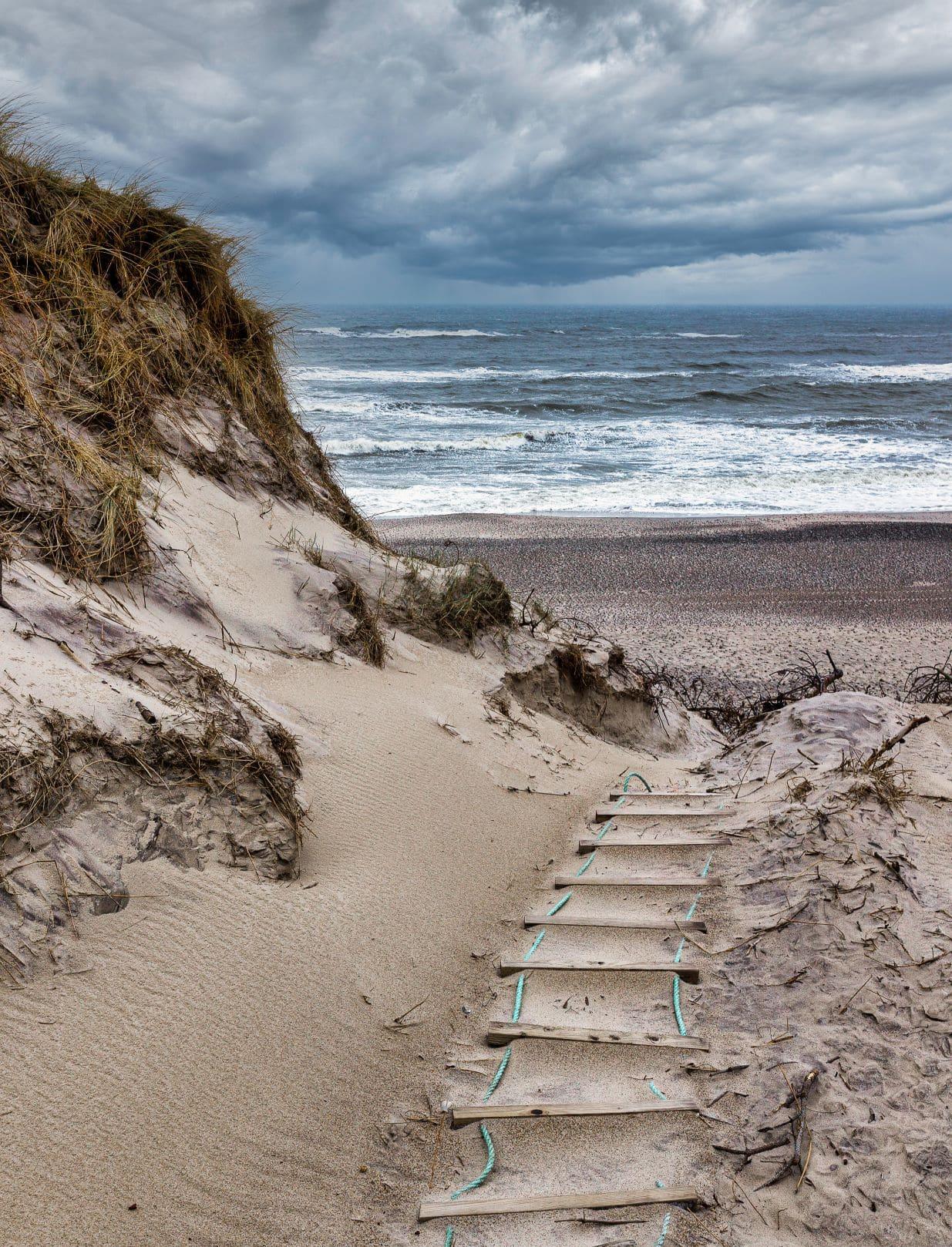 Strand und Düne in Sondervig