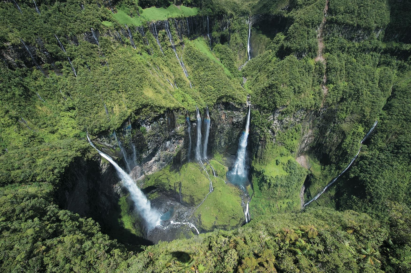 Coole Aktivitäten auf La Réunion wie etwa Canyoning über die Wasserfälle