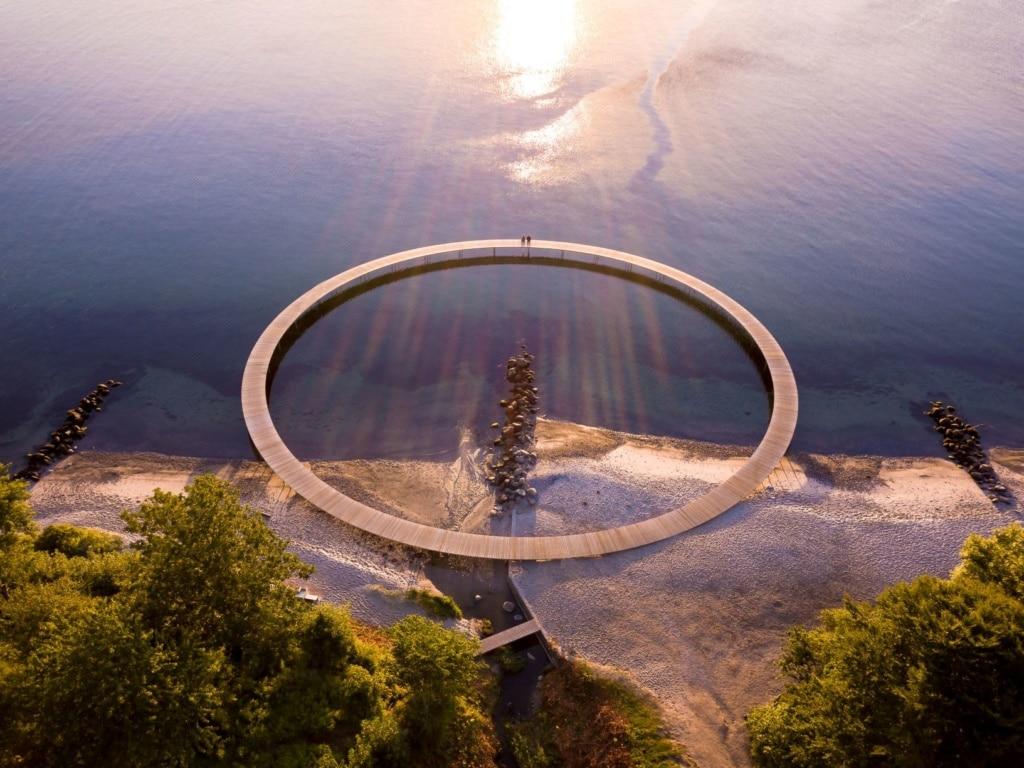 Die unendliche Brücke