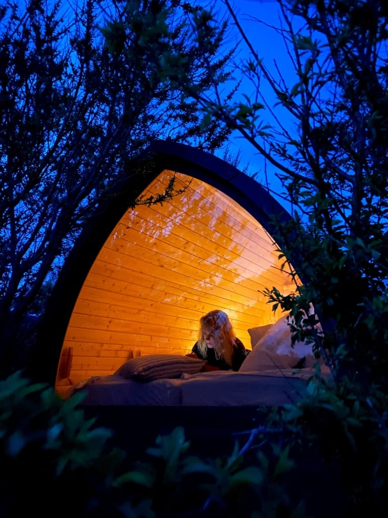 Lynæs-surf-shack-night