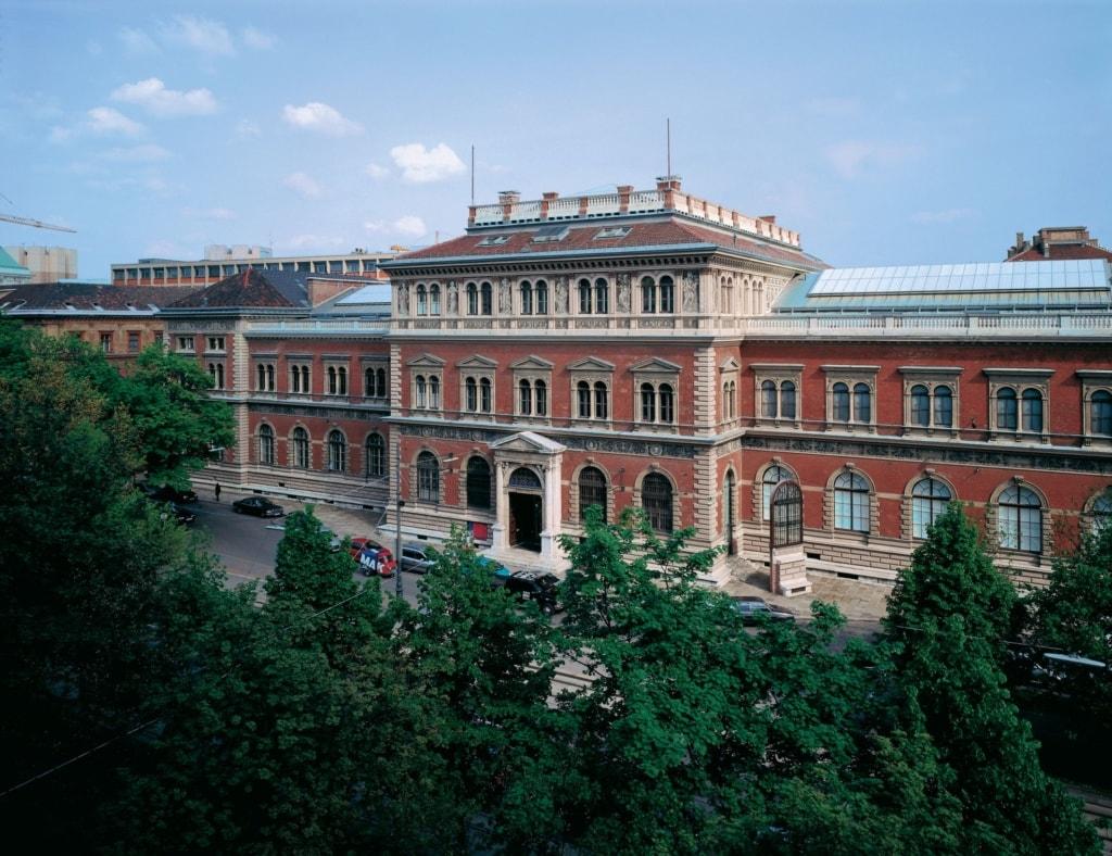 Das MAK ist in Wien in einem tollen Gebäude der Neorenaissance untergebracht.