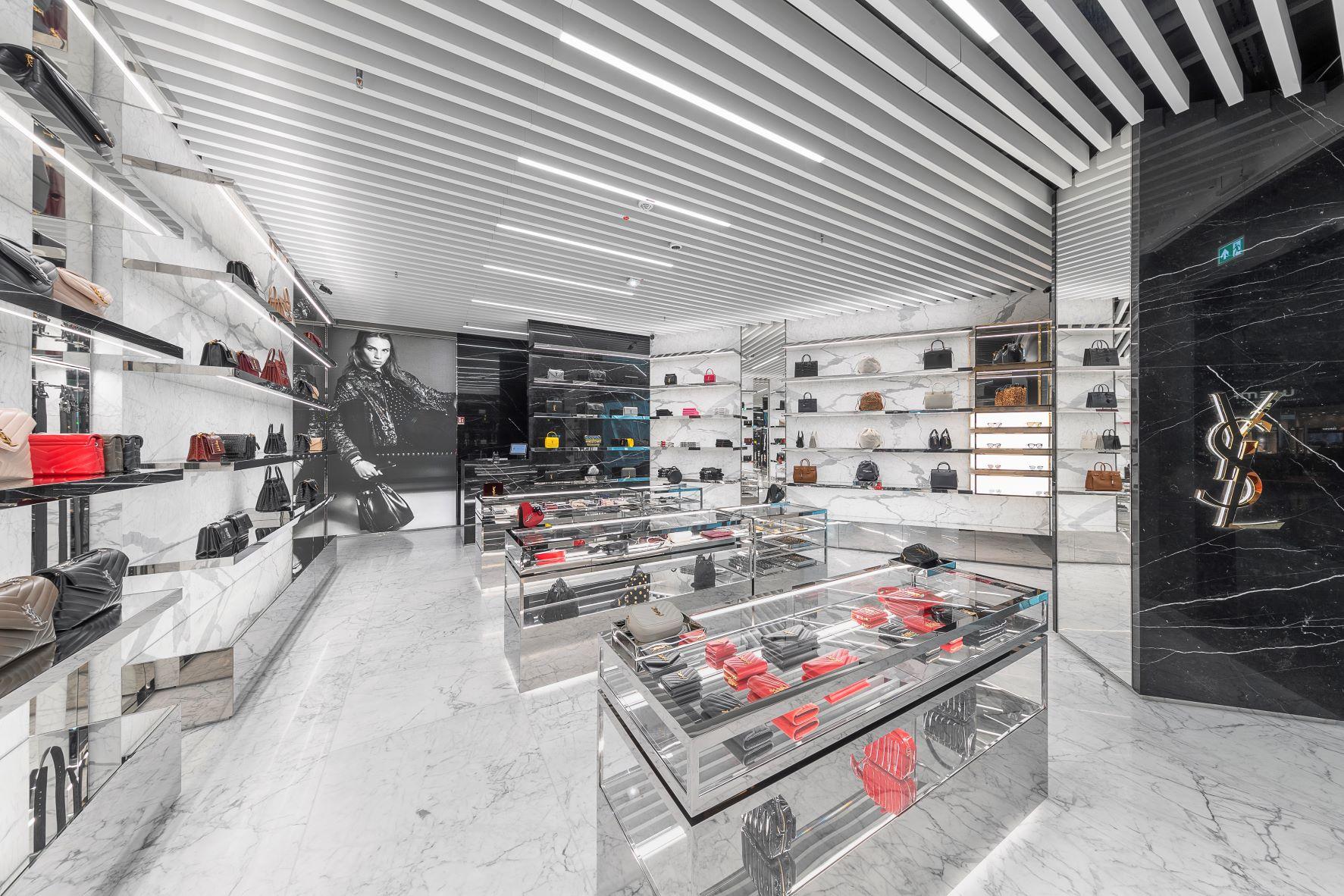 Yves-Saint-Laurent-Shop im Flughafen Frankfurt
