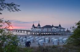 Seebrücke Ahlbeck: Auf der Urlaubsinsel Usedom stehen Natur und Bäderarchitektur im Einklang miteinander. | TMV/Grundner