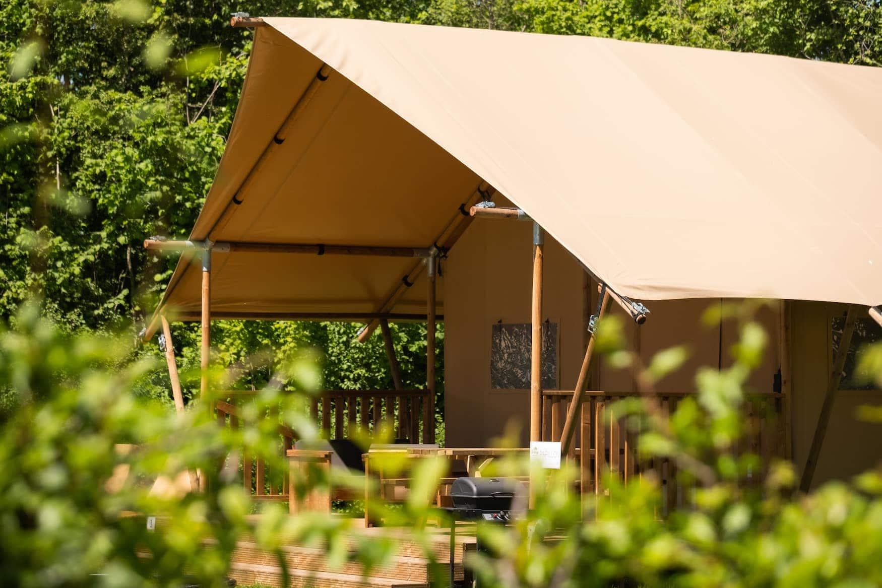 Glamping-Zelt auf einem Glamping-Resort in den Niederlanden