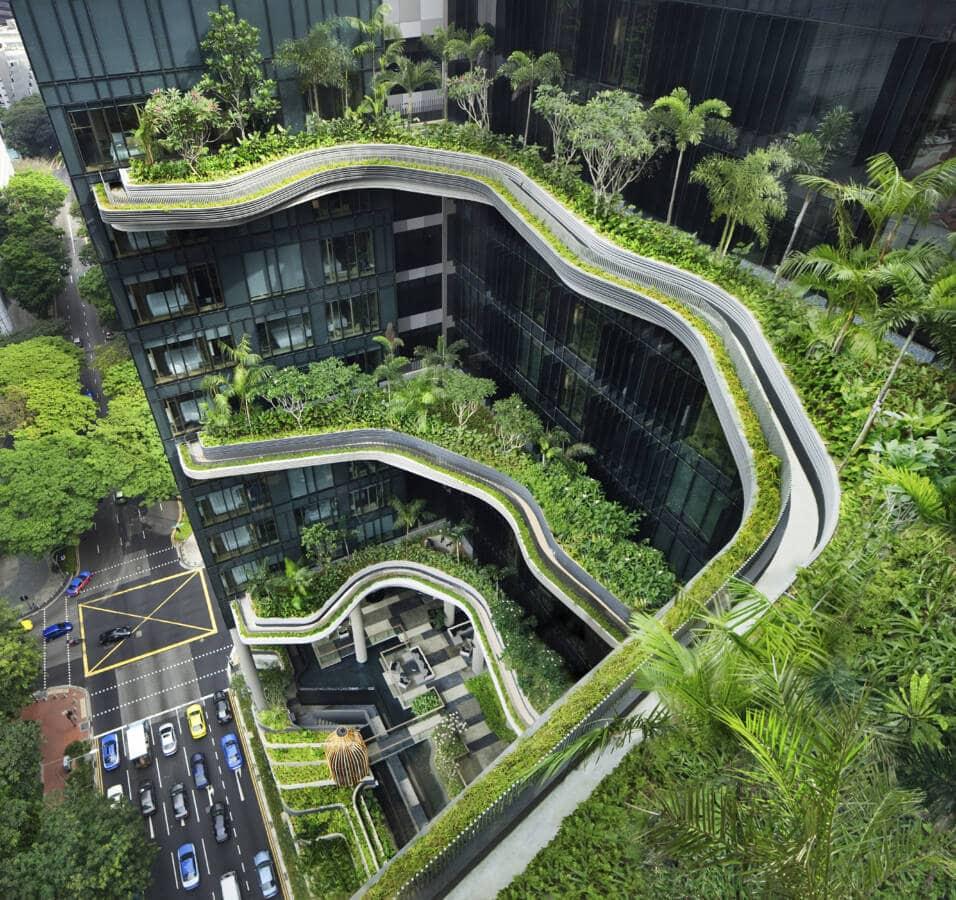 Parkroyal in Singapur: Das Hotel ist mit vielen Pflanzen bewachsen