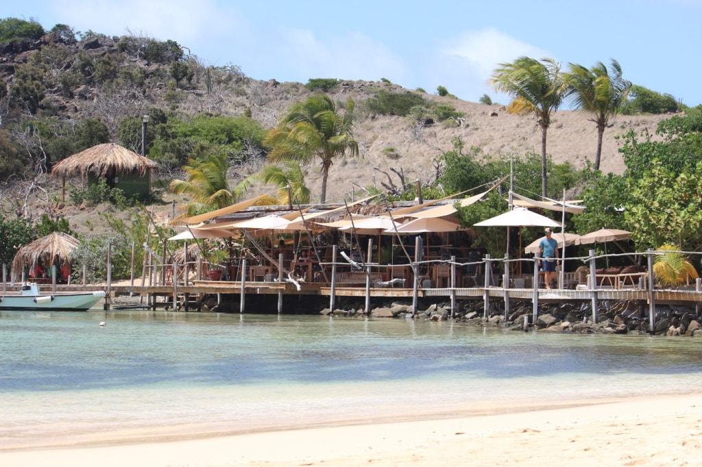 Panel Island liegt vor der Karibikinsel St. Martin.