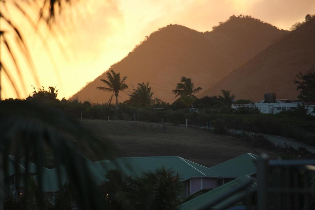 Die Karibikinsel Sint Maarten/St. Martin bietet eine kleine Welt für sich - unsere Reise-Tipps.