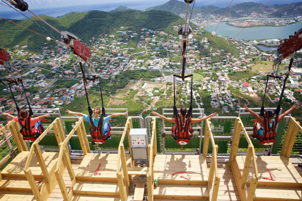 Die steilste Zipline der Welt wartet auf Sint Maarten.