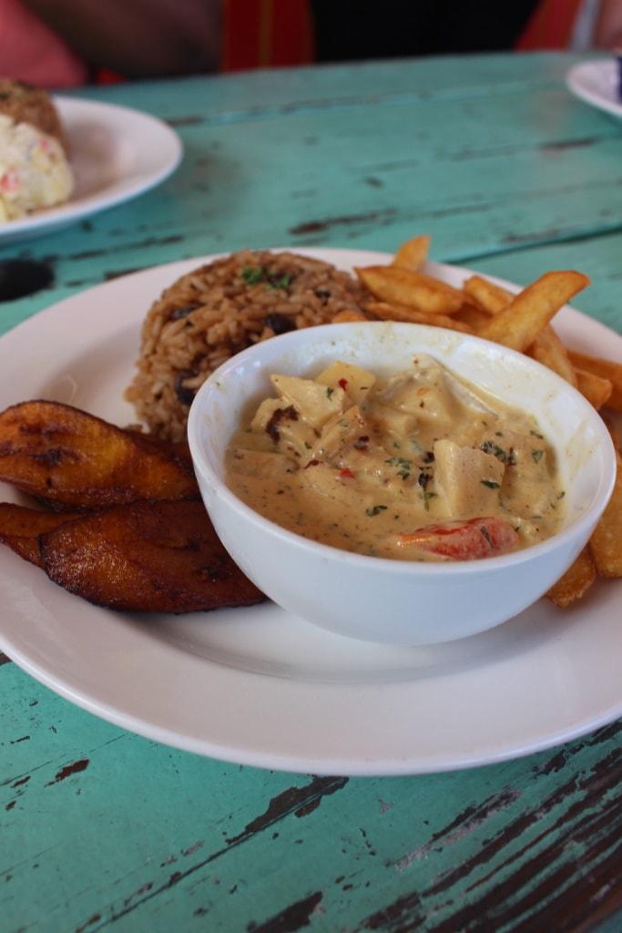 Conch Salad mit Meeresschnecken ist eine Spezialität der Karibik.