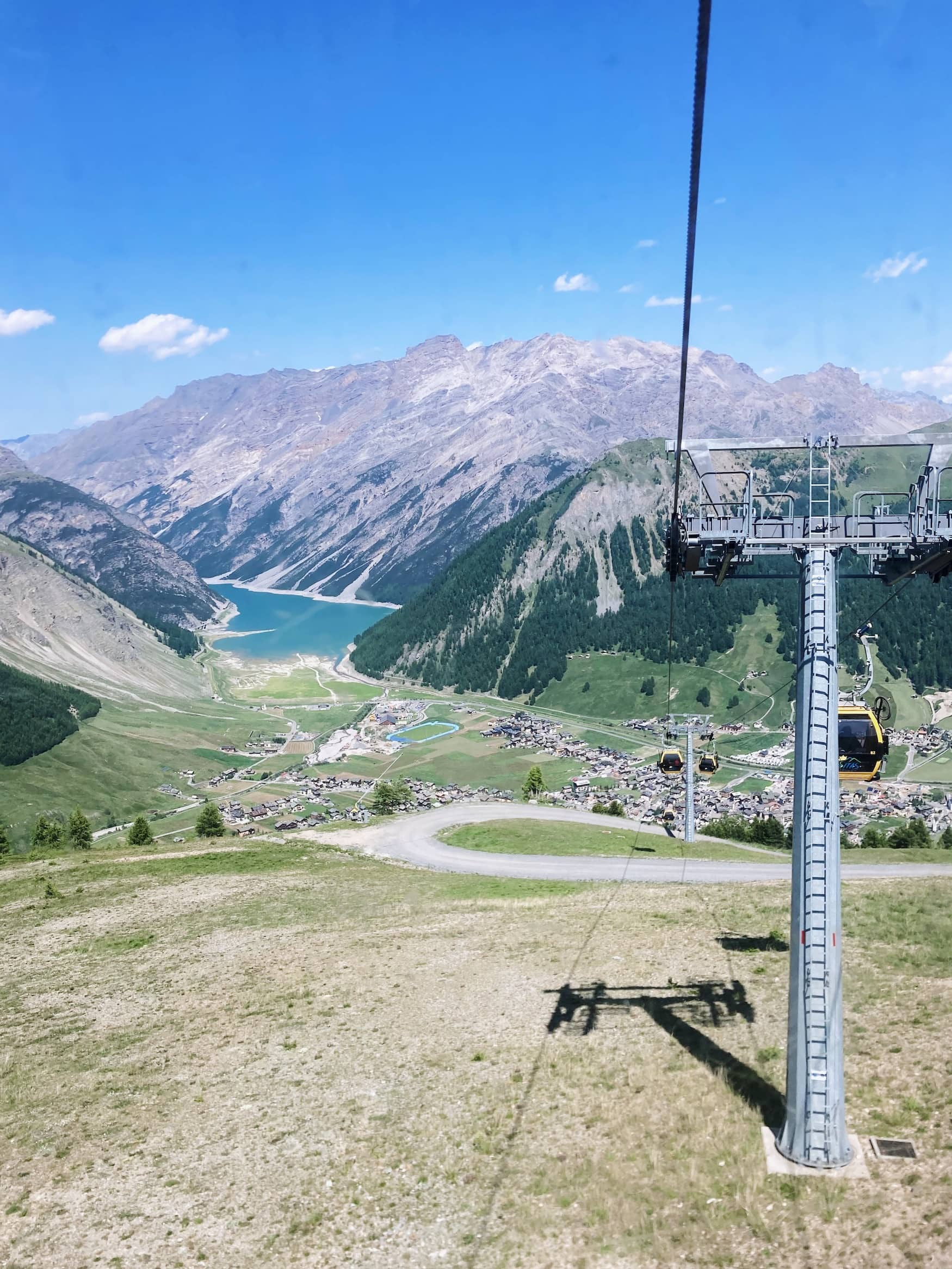 Bergbahn über dem Lago di Livigno