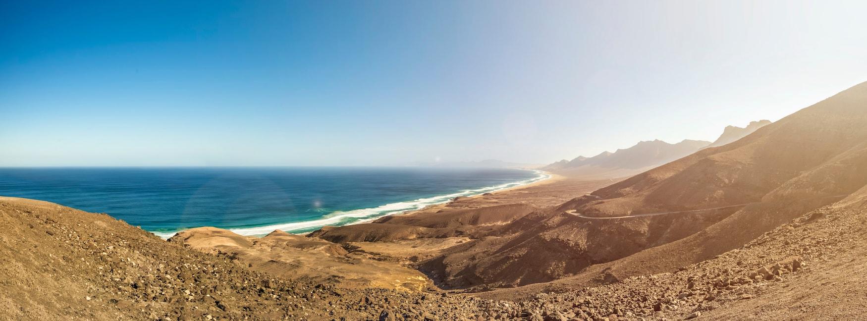 Panorama-Aufnahme des Playa de Cofete auf Fuerteventura