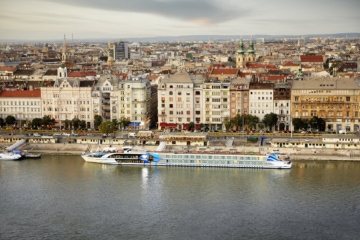 Ein besonderer Ort, der bei dieser Reise entdeckt werden kann, ist zum Beispiel der einzigartige Ausblick vom Burgpalast auf Budapest