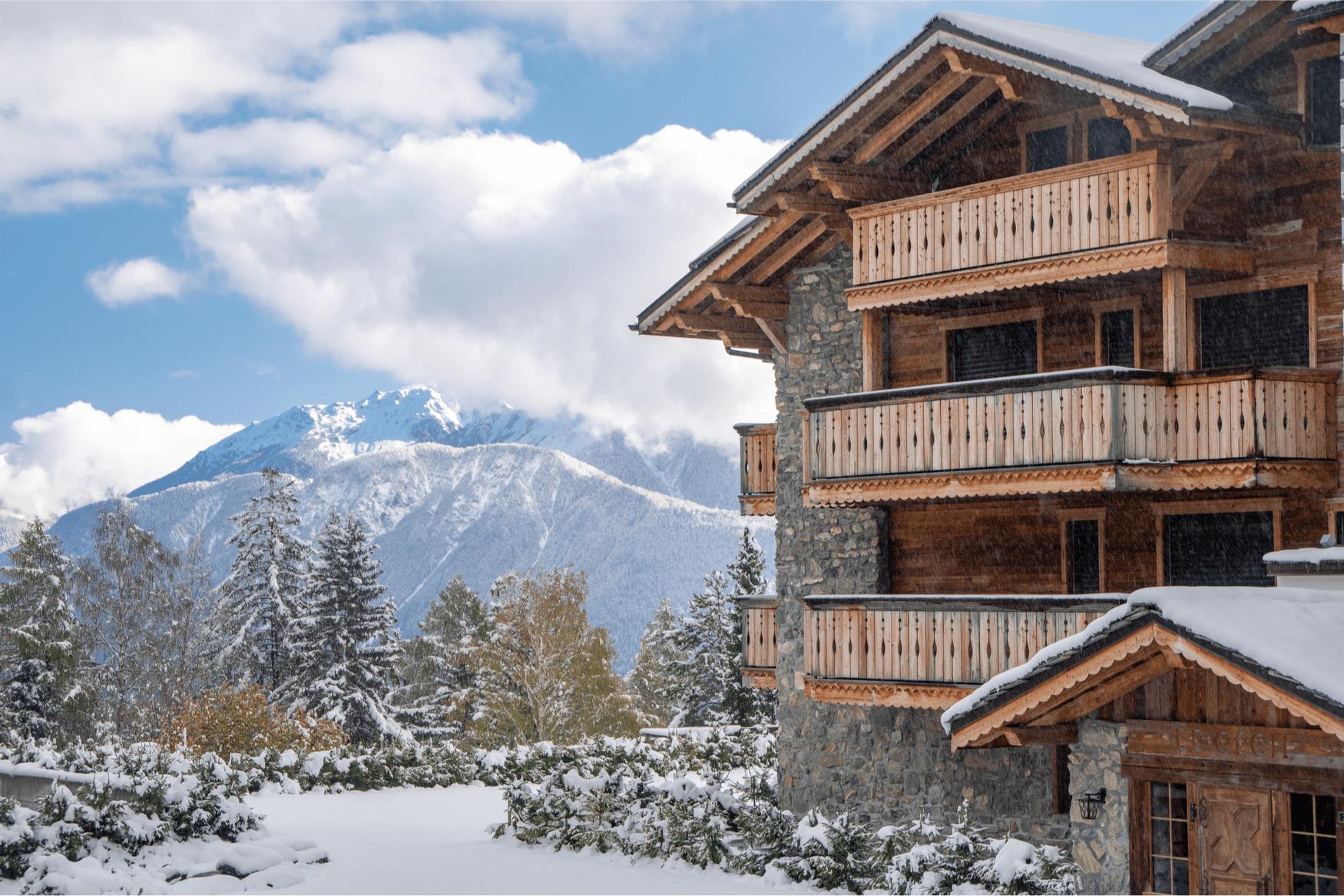 Aussicht auf die Schweizer Alpen in Crans-Montana, Schweiz.