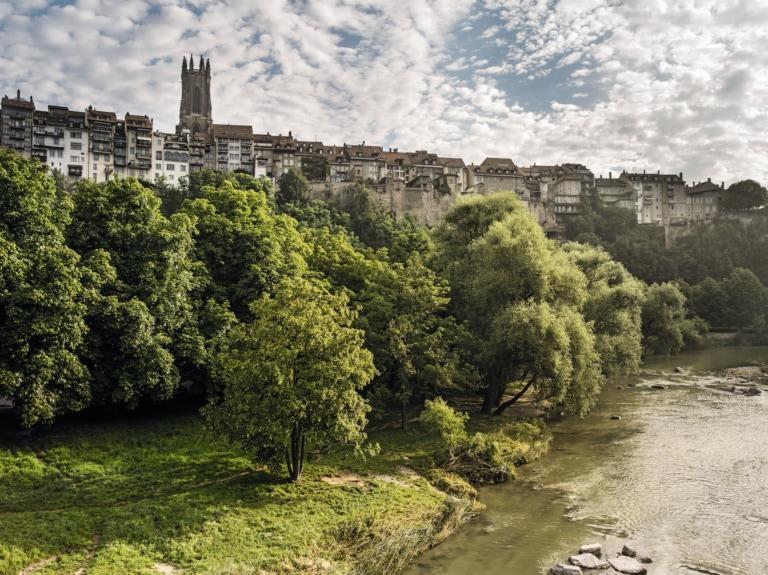 Blick auf die Altstadt von Fribourg, Schweiz