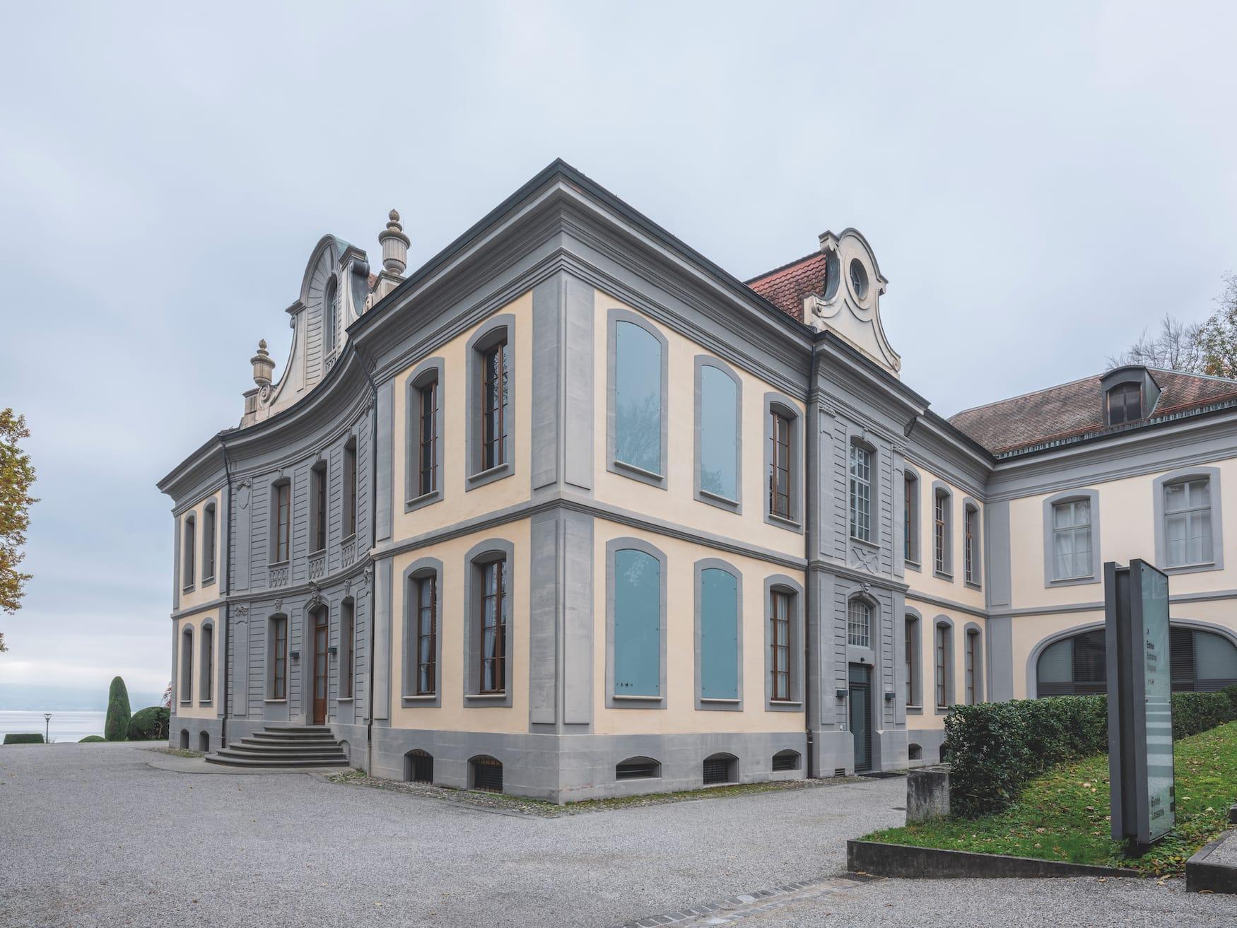 """Fassade des Museums """"Musée d'Elysée"""" in Lausanne, Schweiz"""