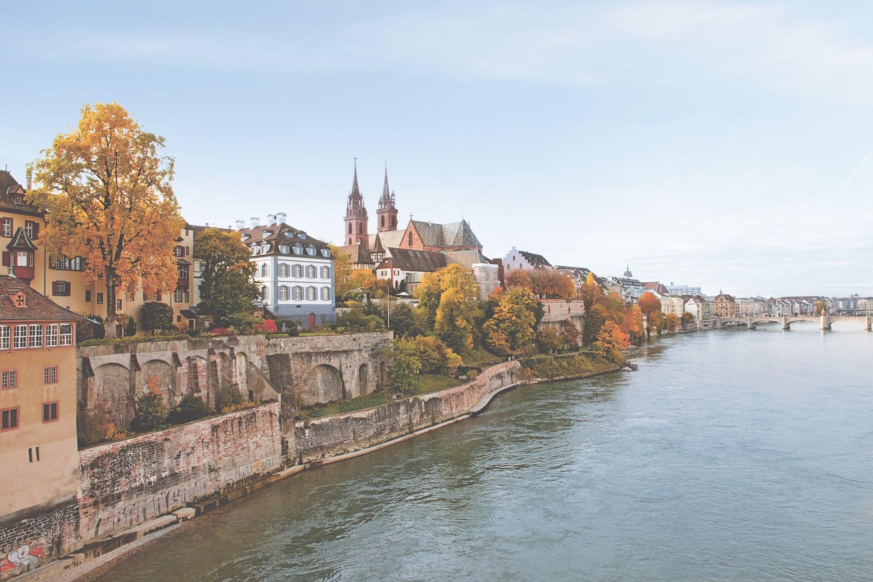 Mit seinen zwei Türmen ist das Münster das Wahrzeichen der Stadt Basel. Die Besteigung eines Turms ist ein unvergessliches Erlebnis.