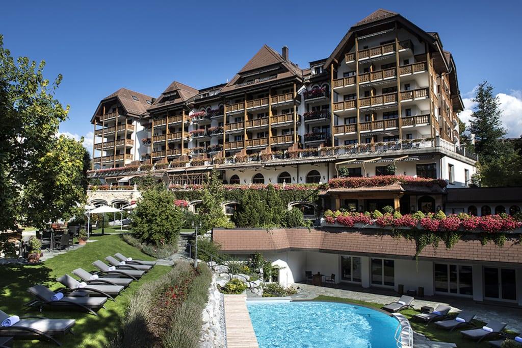Fassade des Park Gstaad in Gstaad, Schweiz