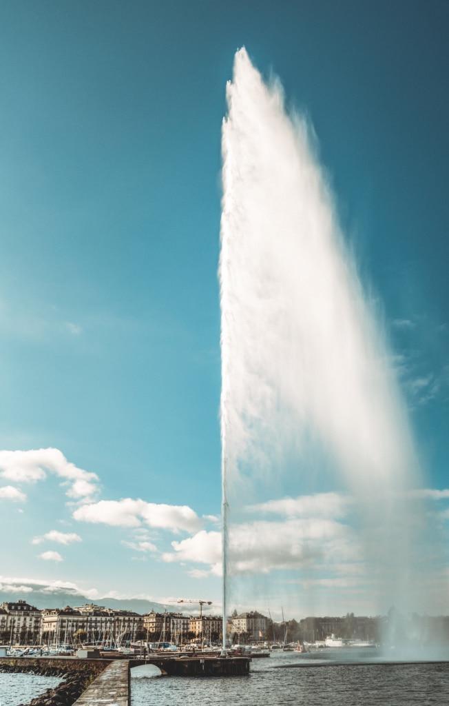 Der Springbrunnen Jet d'eau in Genf, Schweiz
