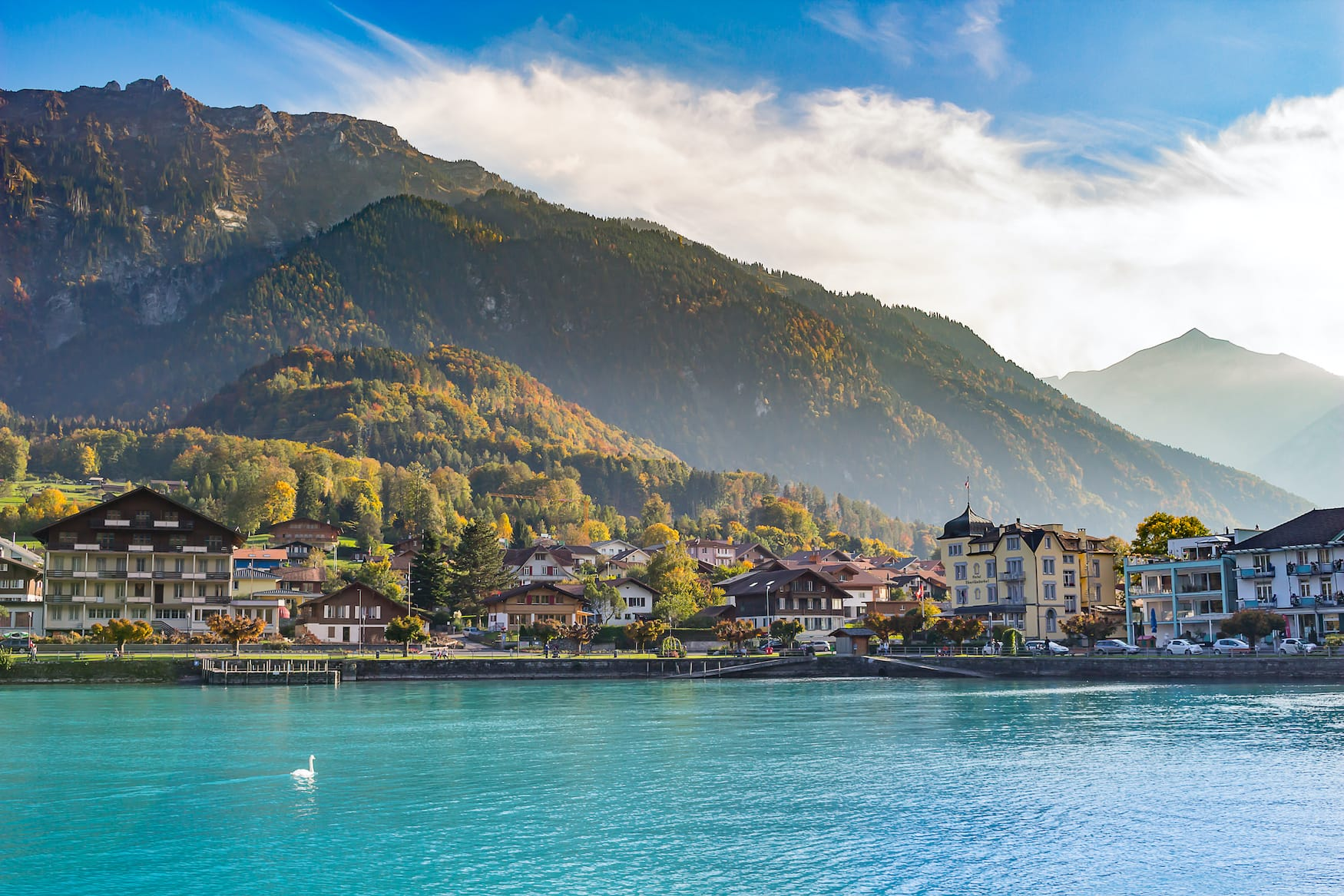 Landhäuser am Breinzer See in Interlaken