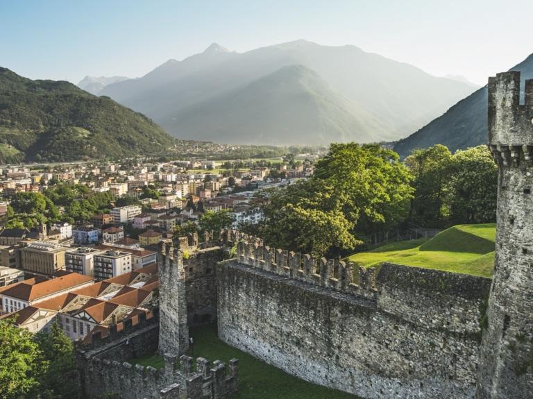Sicht auf Bellinzona vom Schloss Montebello