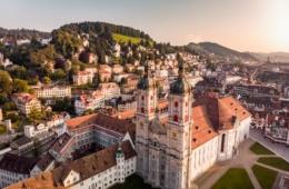 Stiftsbezirk in St. Gallen aus der Vogelperspektive