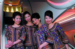 Flugbegleiterinnen von Singapore Airlines