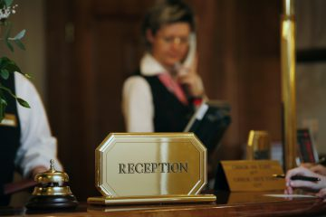 Fauxpas am Hotel-Telefon: einige Regeln beachten