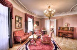 Hotels mit historisch-politischen Ereignissen: Das National Luxury Collection in Moskau